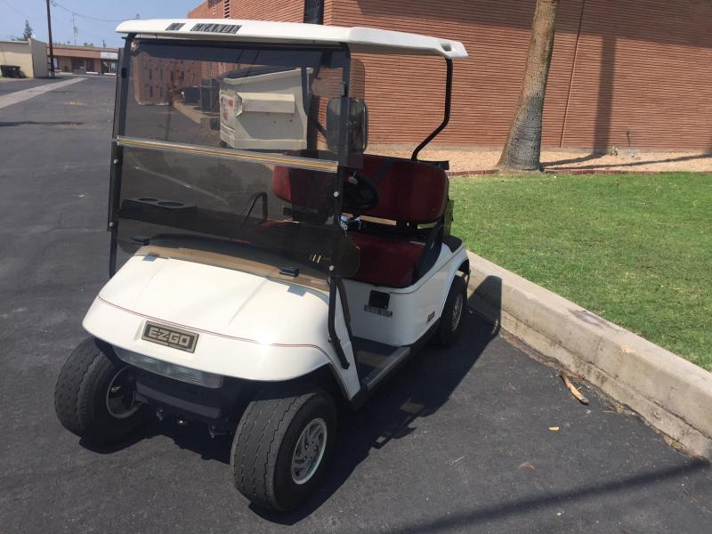 2000 E-Z-GO Freedom Golf Cart