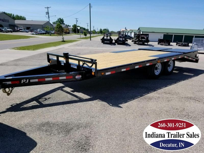 2019 PJ Trailers F8202 Equipment Trailer