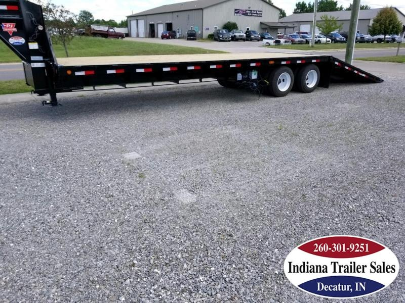 2019 PJ Trailers FYR32 Equipment Trailer