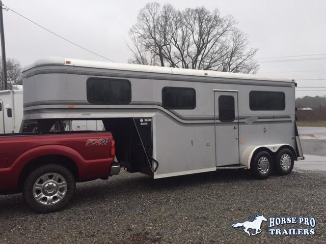 2005 Kingston Trailers Inc. Thoroughbred Horse Trailer