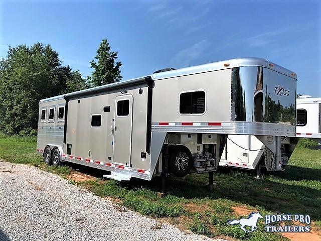2018 Exiss Endeavor 3 Horse Slant Load 12'6 Living Quarters w/ Slide Out