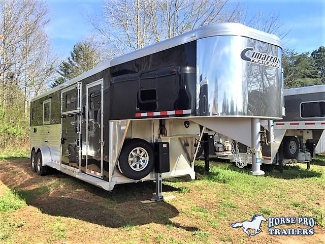 2019 Cimarron 2+1 Gooseneck w/FULL HEIGHT SLIDING DIVIDER & WERM FLOORING!