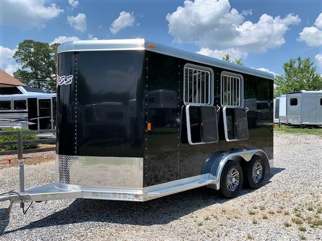 2018 Exiss 720 2 Horse Slant Load Bumper Pull w/Rear Tack & POLYLAST FLOOR! LIKE NEW!