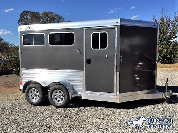 2019 4-Star 2 Horse Slant Load Bumper Pull w/Rear Tack