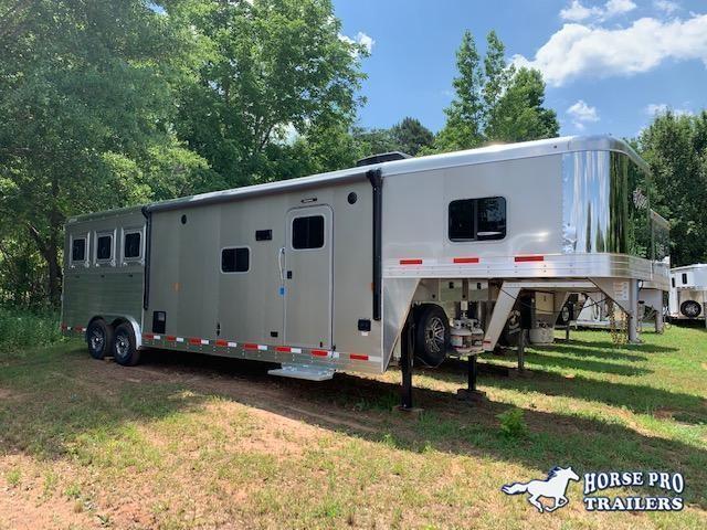 2019 Exiss Endeavor 3 Horse Slant Load 12'6 Living Quarters w/Slide Out- ROOF INSULATION & RAMP!