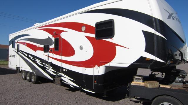 2008 Newmar X-aire 41CKLG Toy Hauler Fifth Wheel