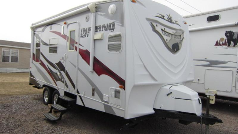 2009 KZ RV Inferno SST FKL19 Travel Trailer/Toy Hauler