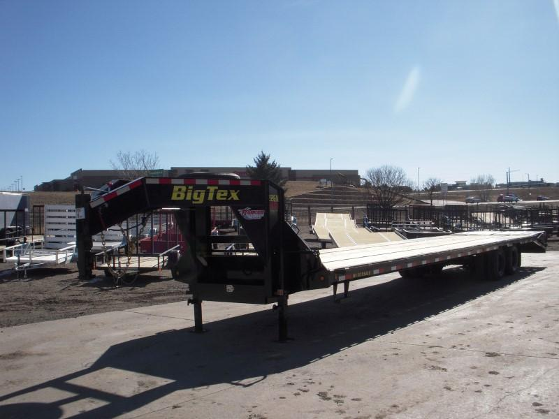 2018 Big Tex Trailers 22GN-35BK+5MR Flatbed Trailer
