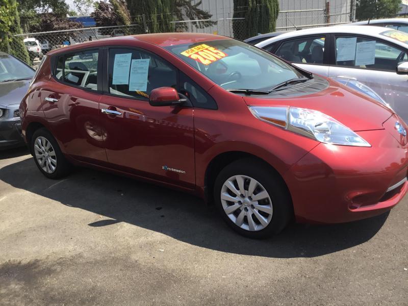 2015 Nissan LEAF Car