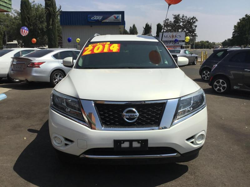 2014 Nissan Pathfinder Car / SUV