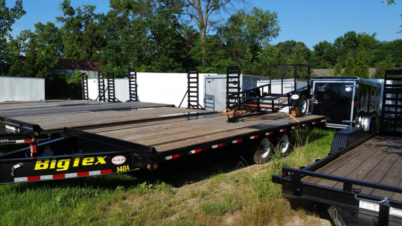 Big Tex 8.5' x 22' Deckover Equipment Trailer w/8' slide-in ramps