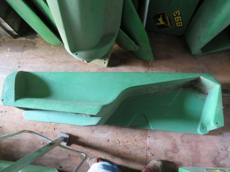 Used John Deere - 1290 Cornhead Fenders
