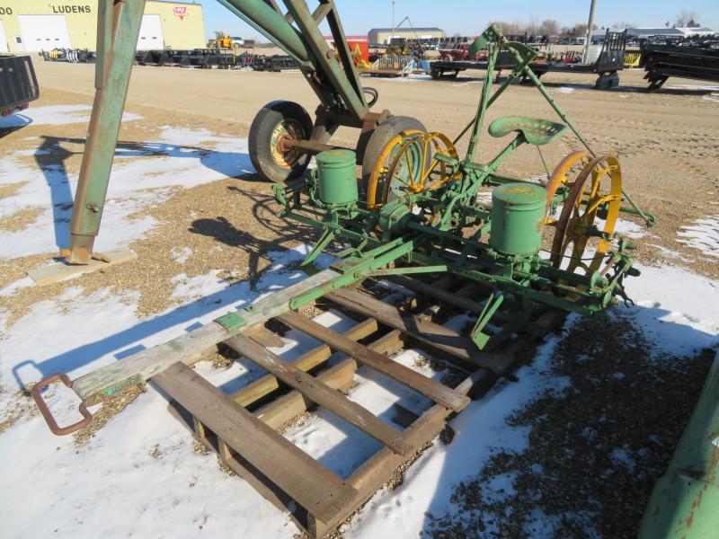John Deere 2 Row Pull Type Planter