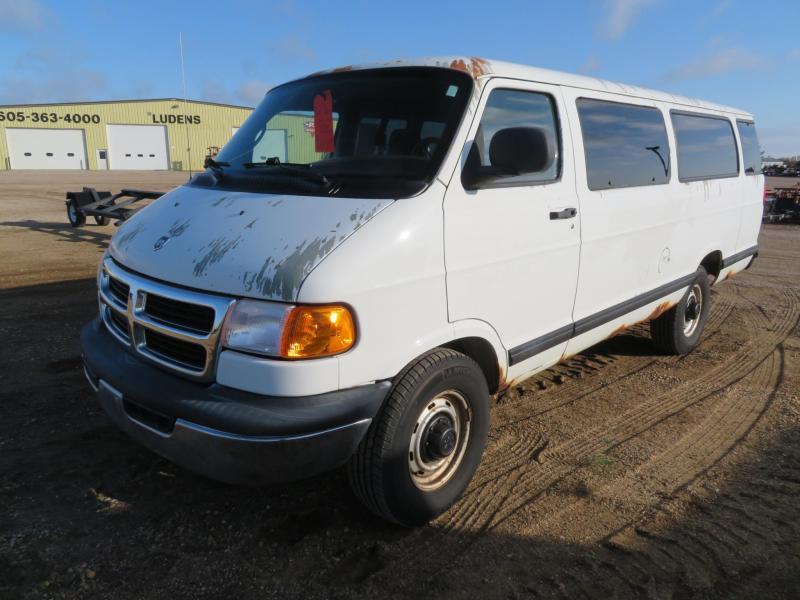 2002 Dodge B3500 15 Passenger Van