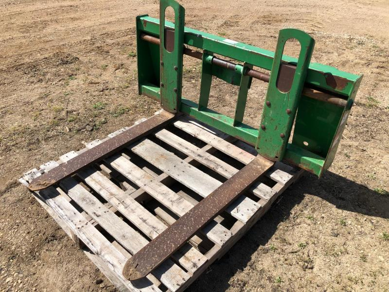 John Deere Pallet Forks for 500 QT Loader