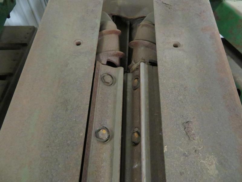 John Deere Cornhead Row Units with JD Knife Rolls
