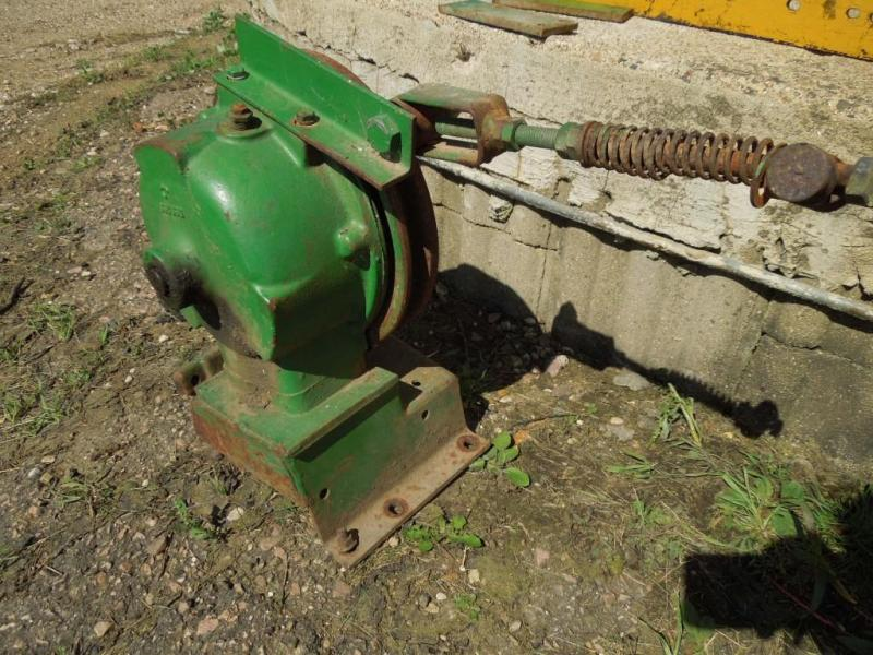 Used John Deere Wobble Box E59259 off of John Deere 213 Grain Head