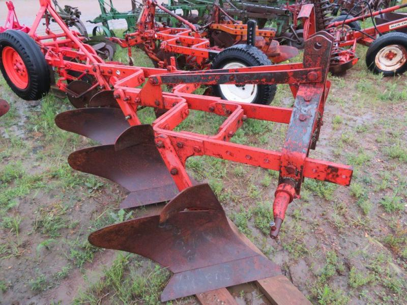 Used Allis Chalmers 3 Bottom Plow - 3 Point