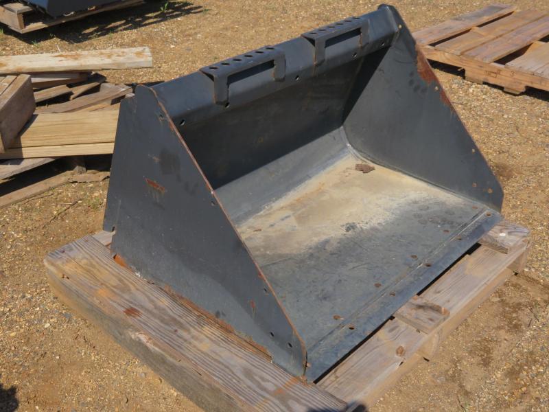 Bobcat 36 QT Utility Bucket