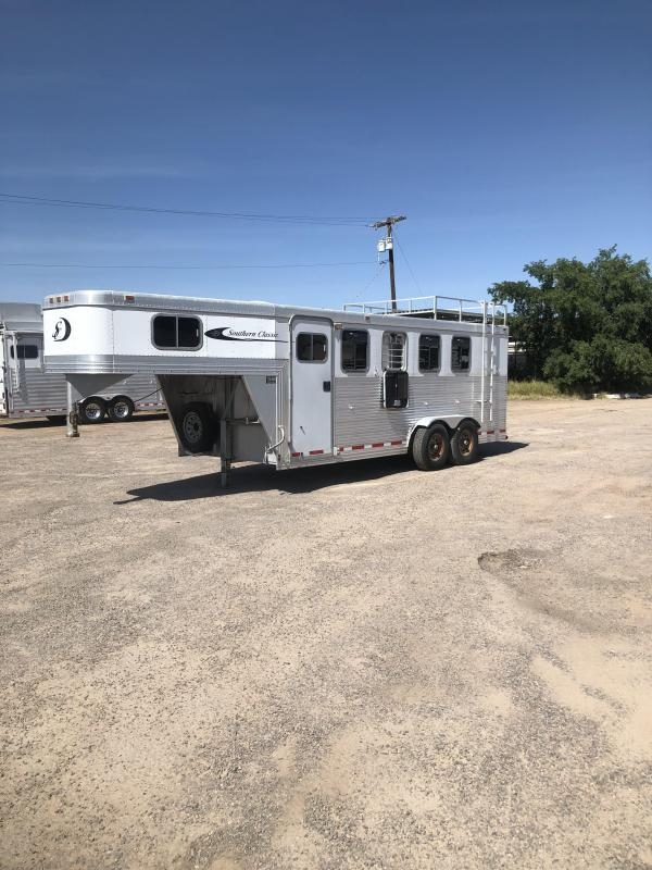2003 Southern Classic 4H GN Horse Trailer