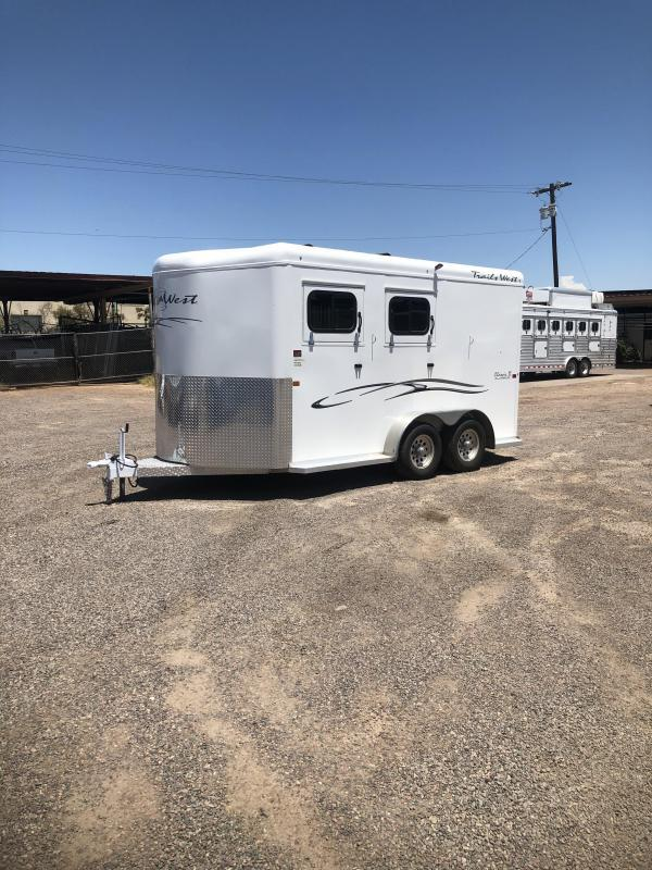 2019 Trails West Manufacturing CLASSIC II BP WARMBLOOD SIZE Horse Trailer