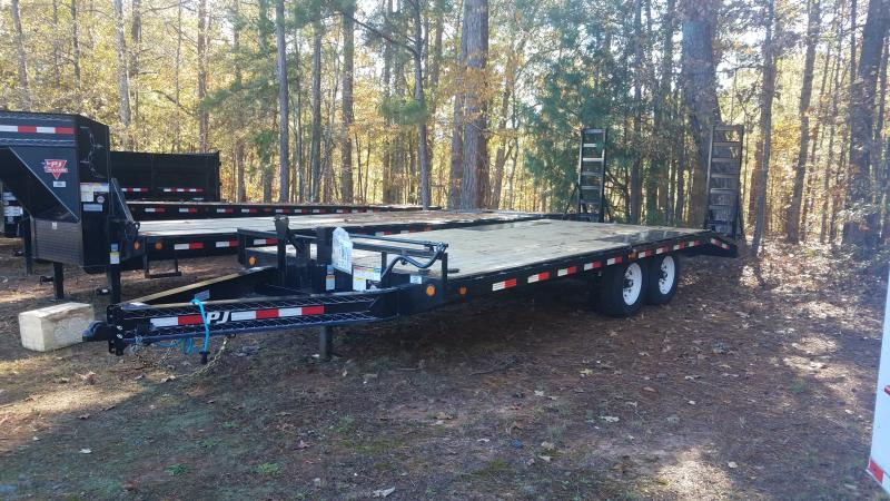 2020 PJ Trailers F820 Equipment Trailer