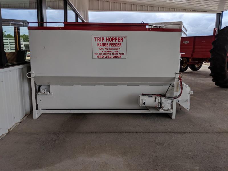 2019 Trip Hopper P-826A Range Feeder