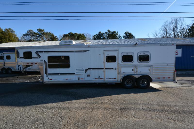2004 Cherokee 3 Horse 12' Living Quarters
