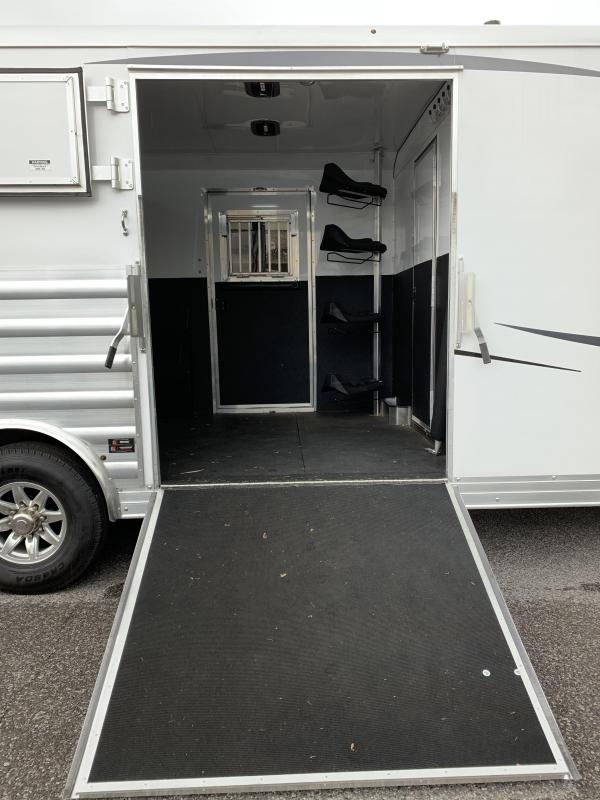 2020 Merhow Trailers 8314 ST-WALL 3+1  Horse Trailer