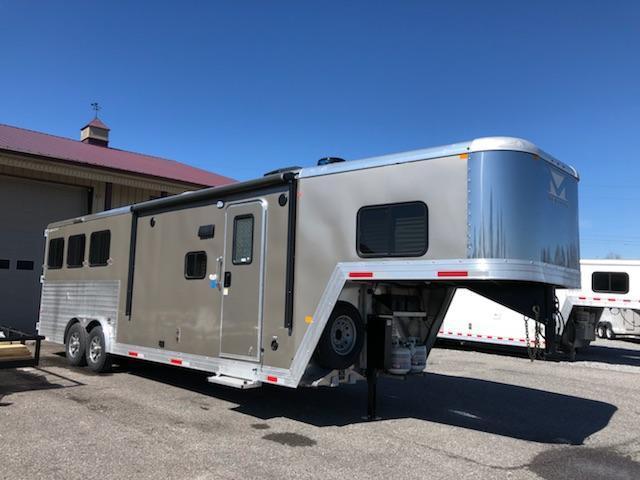 2019 Merhow 8310.5 RK-NS Horse Trailer