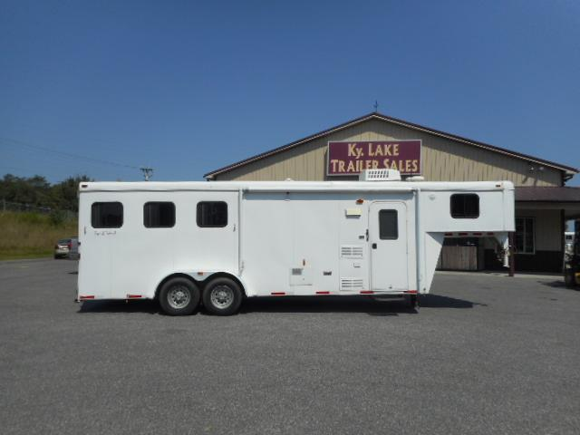 2011 Bison 3H Horse Trailer