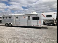 1999 4-Star 3H GN Horse Trailer