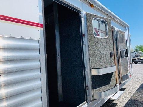 2004 4-Star Trailers 3H GN Horse Trailer