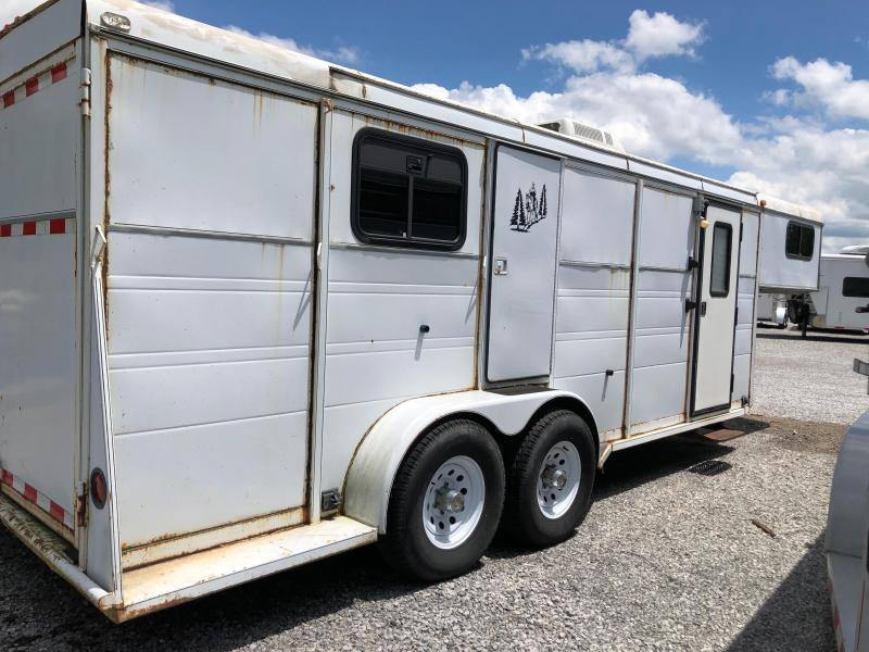 2001 Big Valley Stock Livestock Trailer