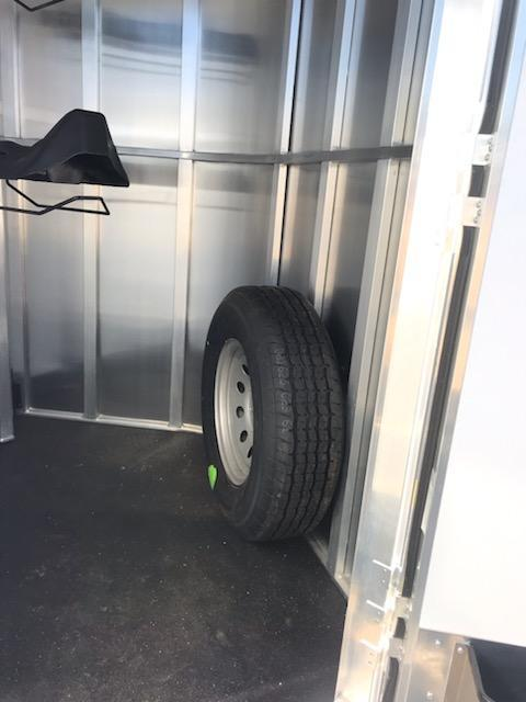 2019 Merhow 2H BP Horse Trailer