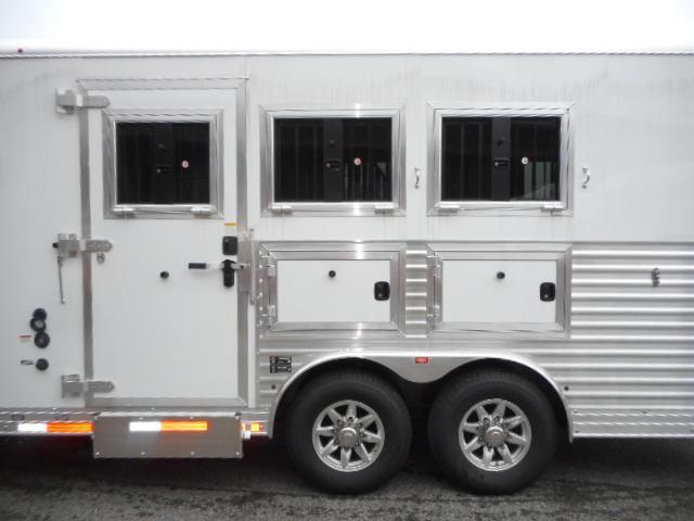 2019 Merhow Trailers 8309 RWS Horse Trailer