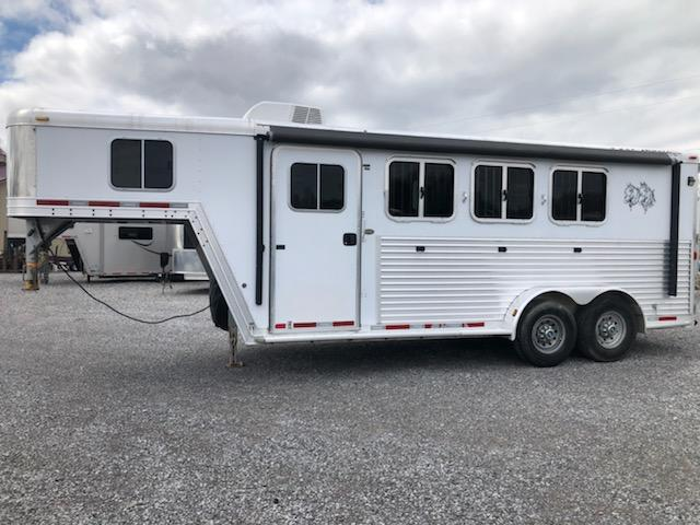 2007 Featherlite 8541 3H Horse Trailer