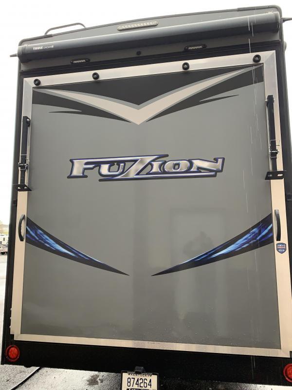2018 Keystone Fuzion 417 TOY HAULER Toy Hauler RV
