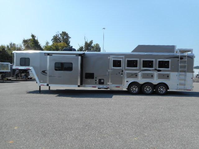 2020 Merhow Trailers 8416RWS-B Horse Trailer