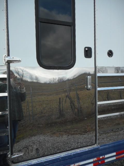 2006 Sundowner Trailers 6H GN Horse Trailer