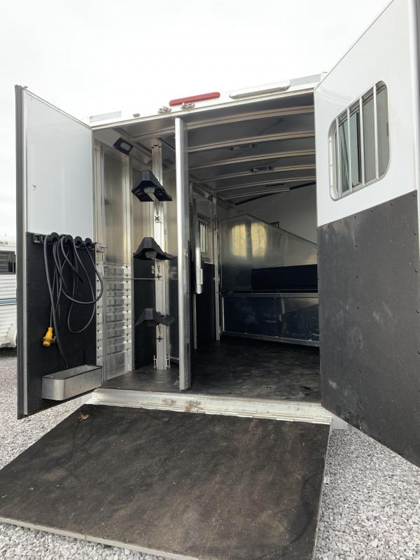 2017 Exiss 7308 3H Horse Trailer
