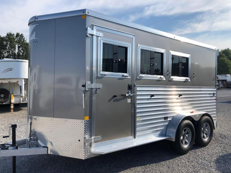 2019 Merhow Bronco 3H BP Horse Trailer