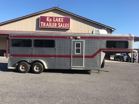 1991 Sundowner  Executive 3H Horse Trailer