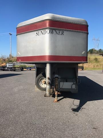 1991 Sundowner  Executive 3H Horse Trailer