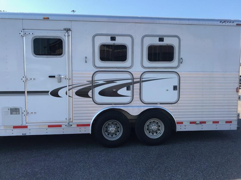2004 Exiss 310 XT Event Horse Trailer