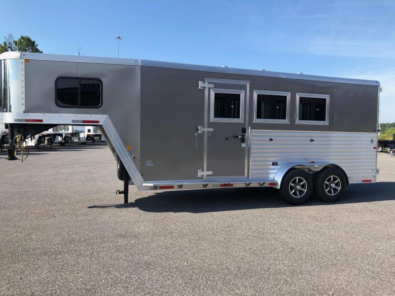 2019 Merhow Bronco 3H GN Horse Trailer
