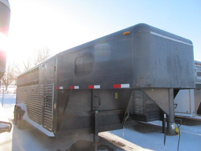 Used 2000 Diamond D Stock Trailer