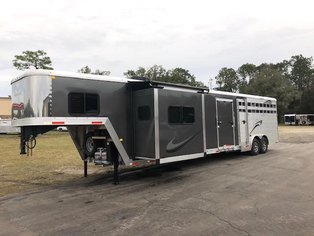 2020 Merhow Trailers 8' wide w/11'lq & slide & midtack bunks Livestock Trailer