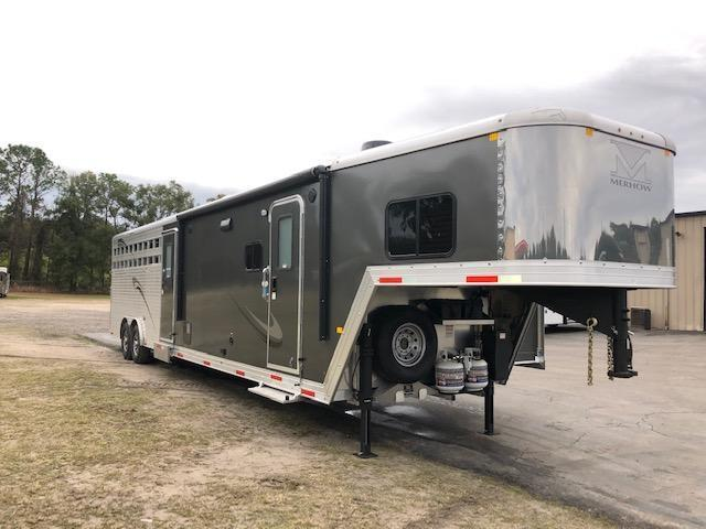 2020 Merhow Trailers 8' wide w/11'lq & slide & midtack bunks Livestock Trailer