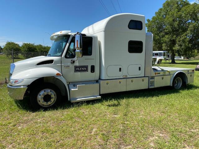 2005 International 4400 Semi Truck